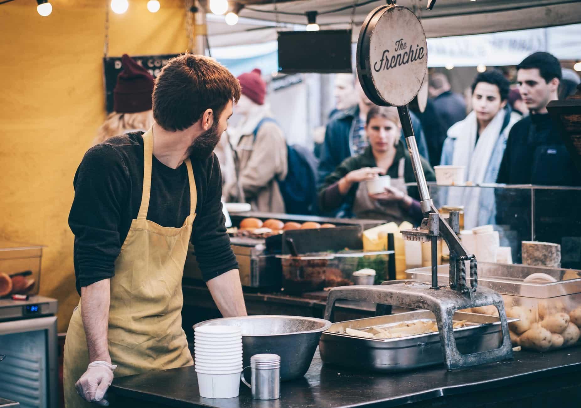 marché stand cuisine française