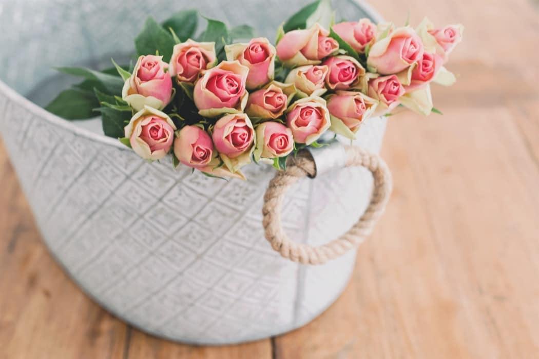 eau de rose florale hydrolat fleurs zéro déchet DIY