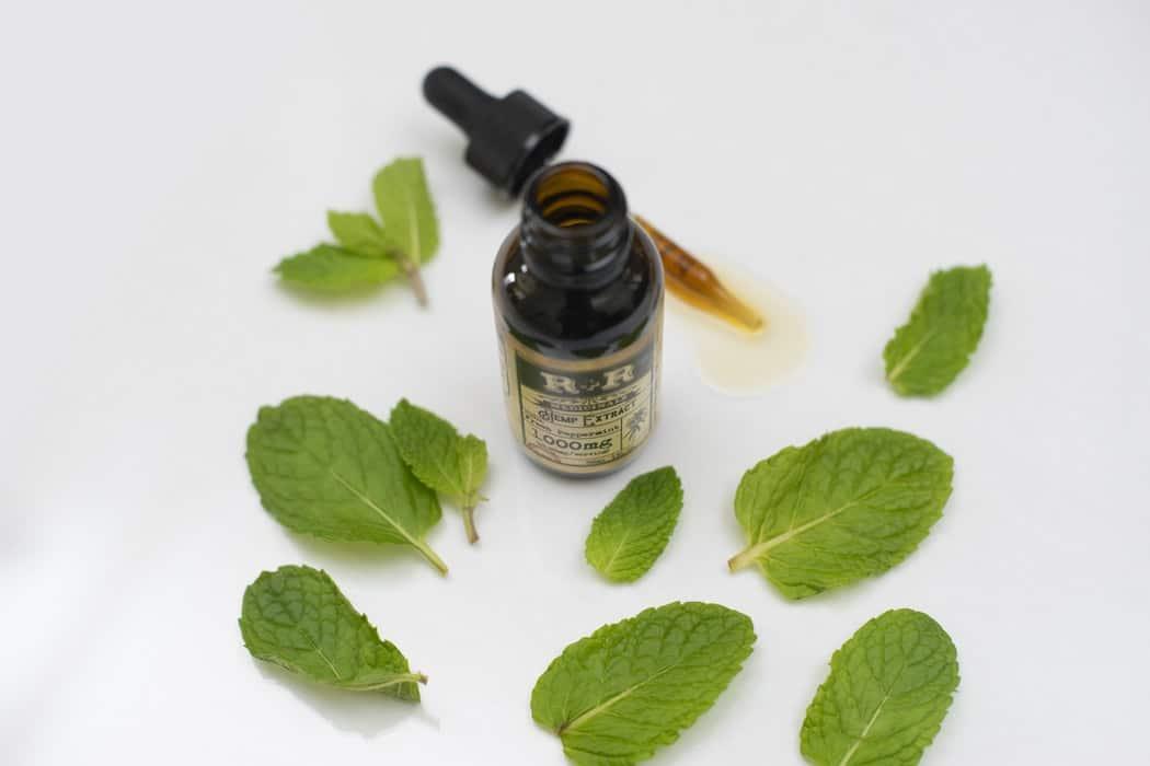 huiles essentielles de menthe