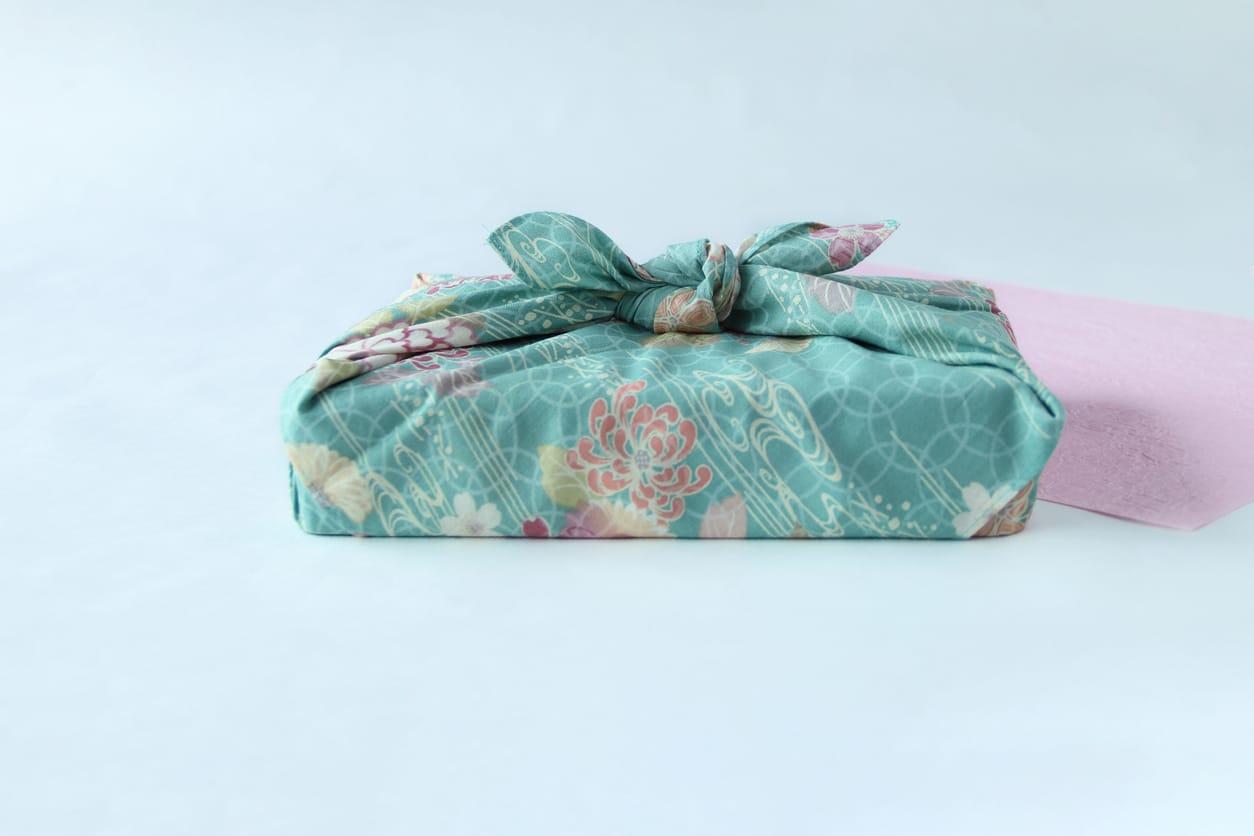furoshiki cadeau zéro déchet écologique en tissu