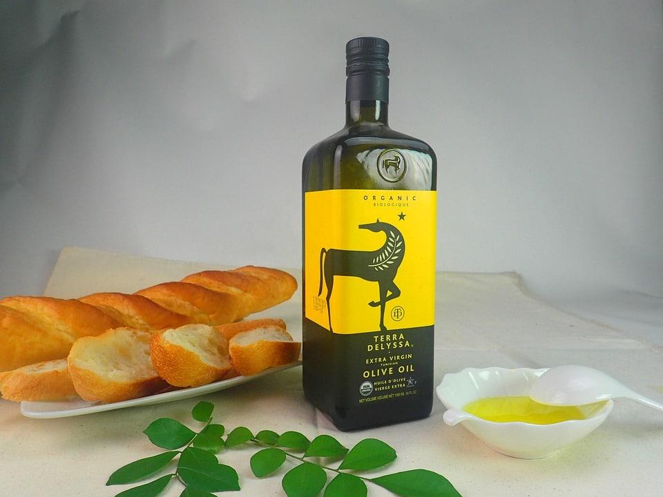 bienfaits de l'huile d'olive régime méditerranéen pain