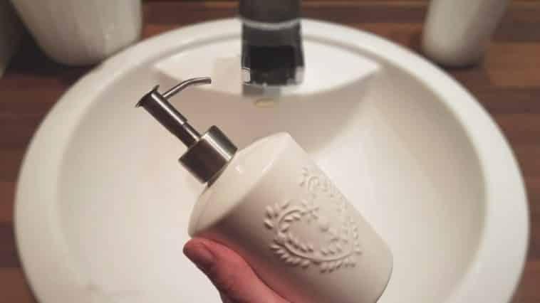 distributeur savon naturel recette savon liquide mains