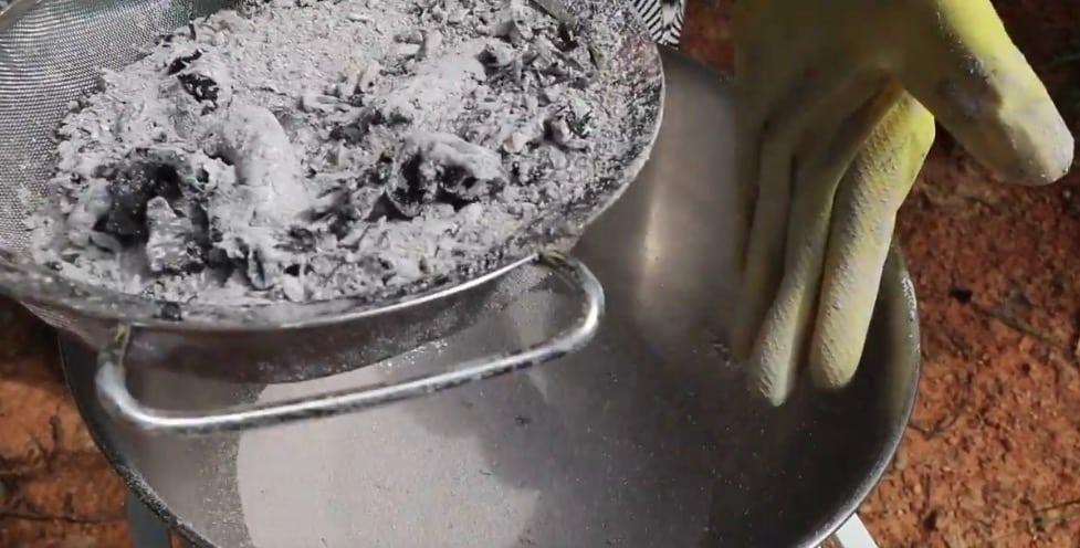 lessive à la cendre cendres recette