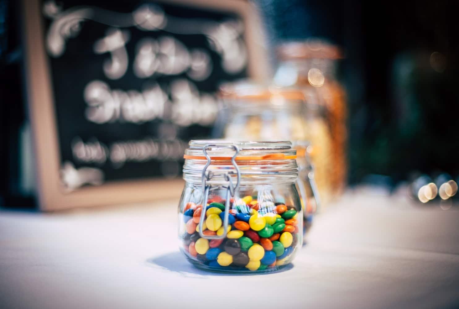 bocal de bonbons enfants aliments en vrac