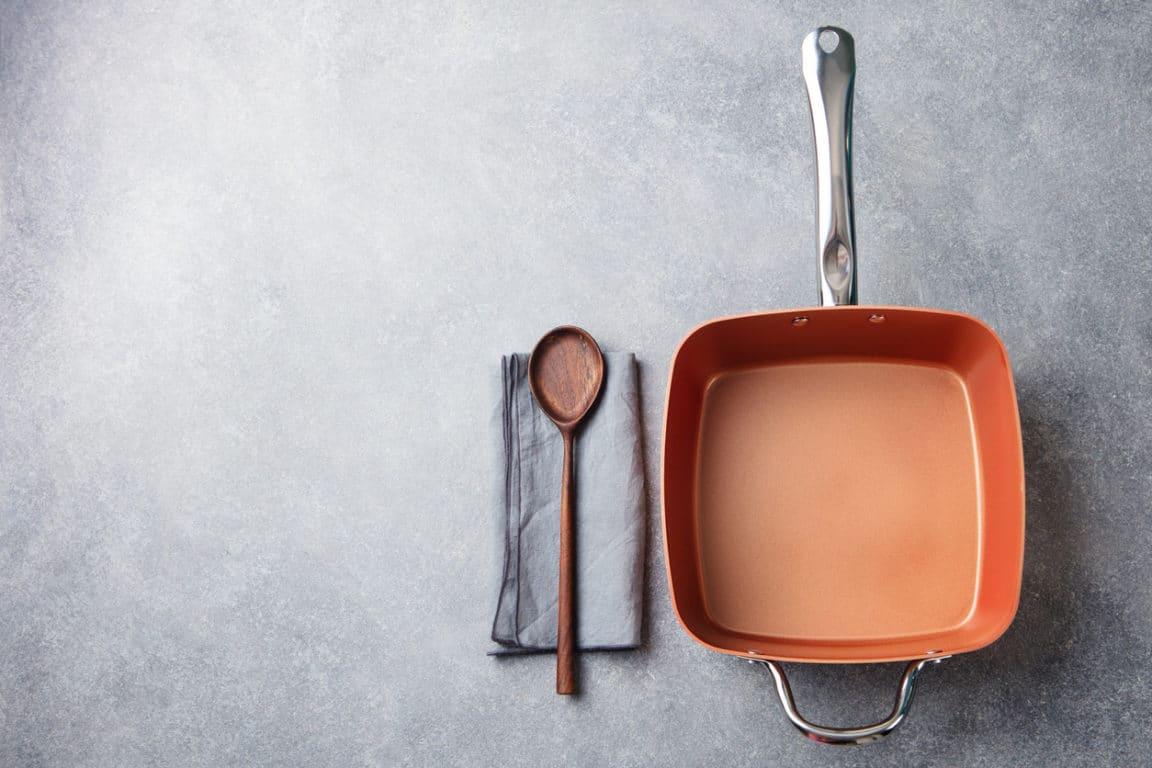 poêle cuillère en bois casserole cuisine cuisson