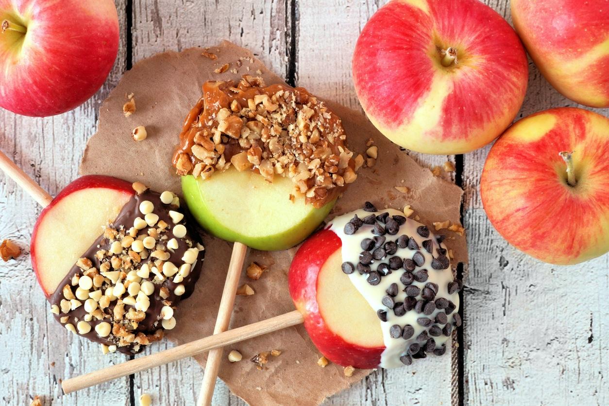 sucettes pommes quartiers bonbons enfants chocolat