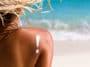 Femme crème solaire