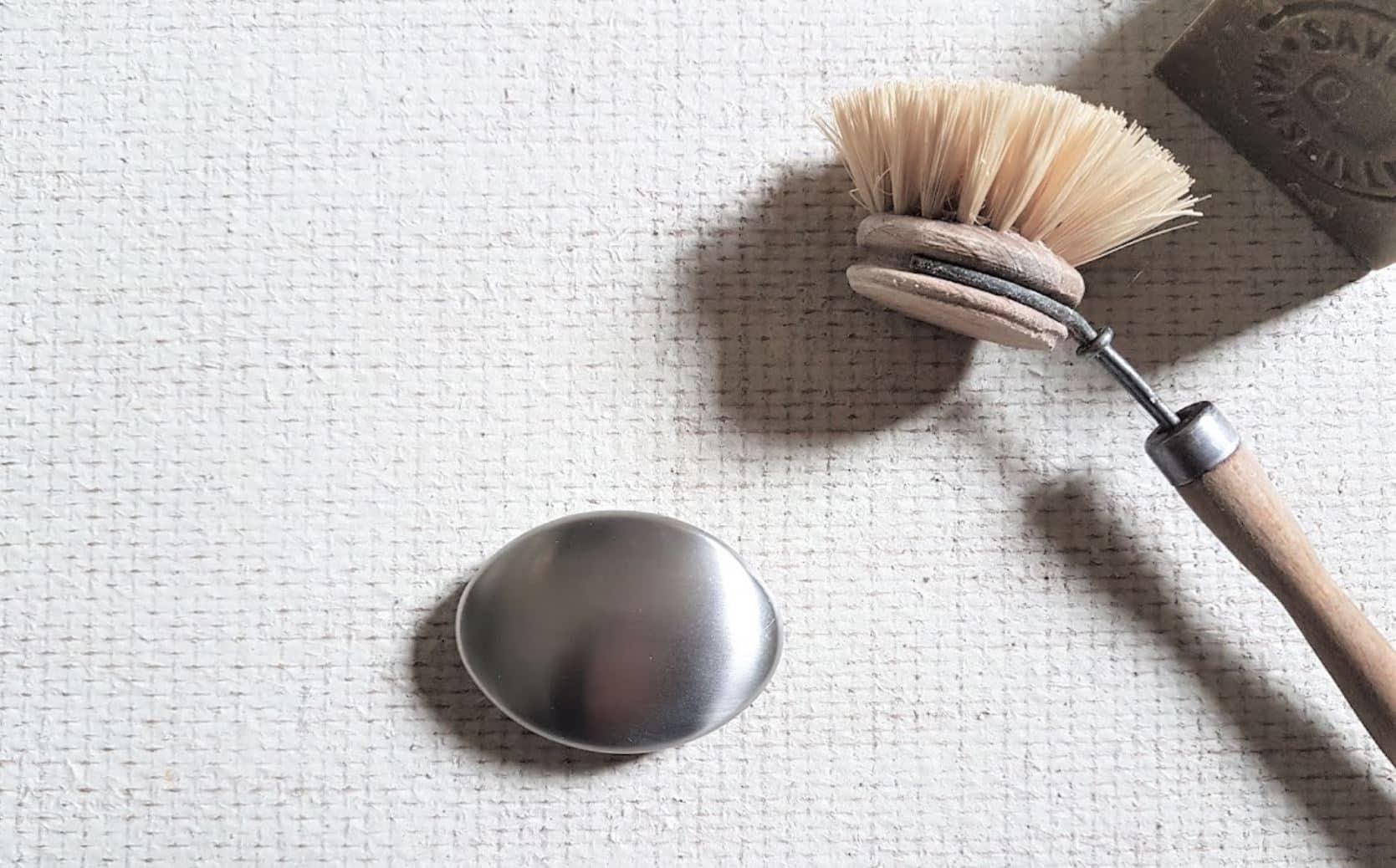 savon en inox acier métallique laver mains anti odeurs