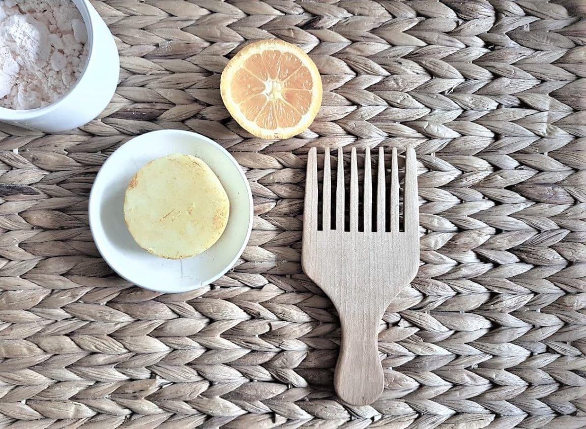 shampoing solide cheveux secs peigne orange