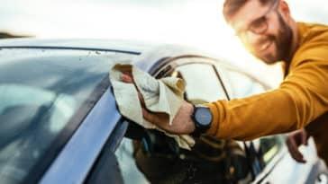 voiture laver nettoyer produits écologiques chiffon