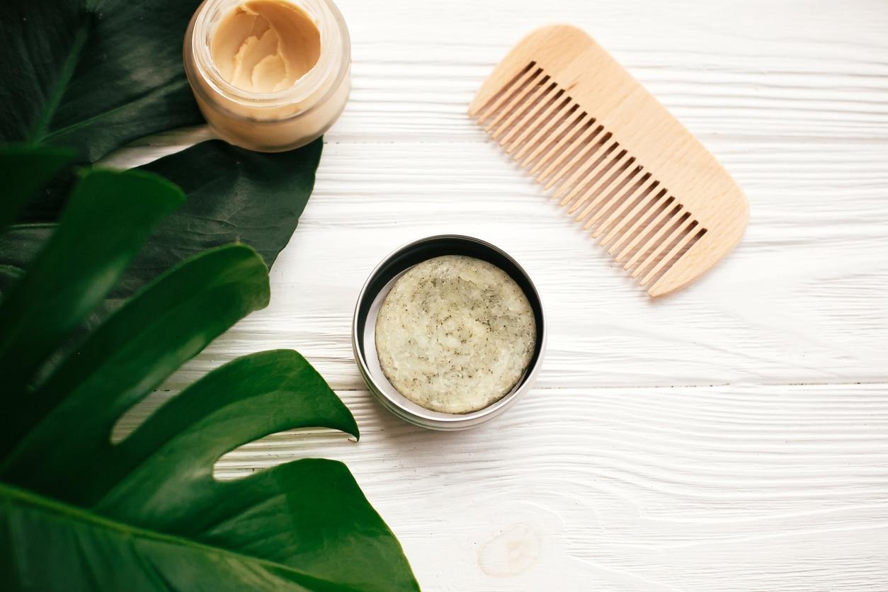 shampoing solide salle de bain recette cheveux matures peigne