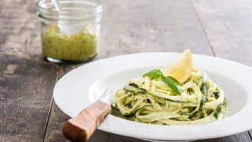 plat assiette de courgettes spaghettis tagliatelles recette citron