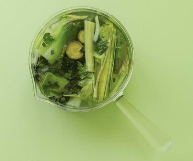 bouillon légumes casserole en verre