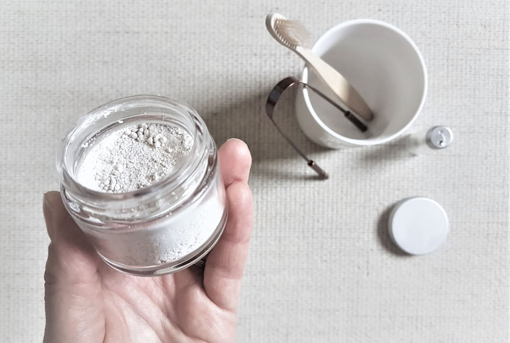 recette de dentifrice naturel en poudre brosse fil