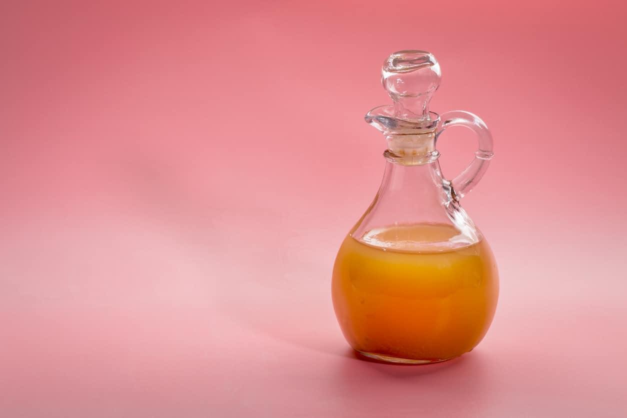 vinaigre de cidre de pomme bouteille pommes bienfaits