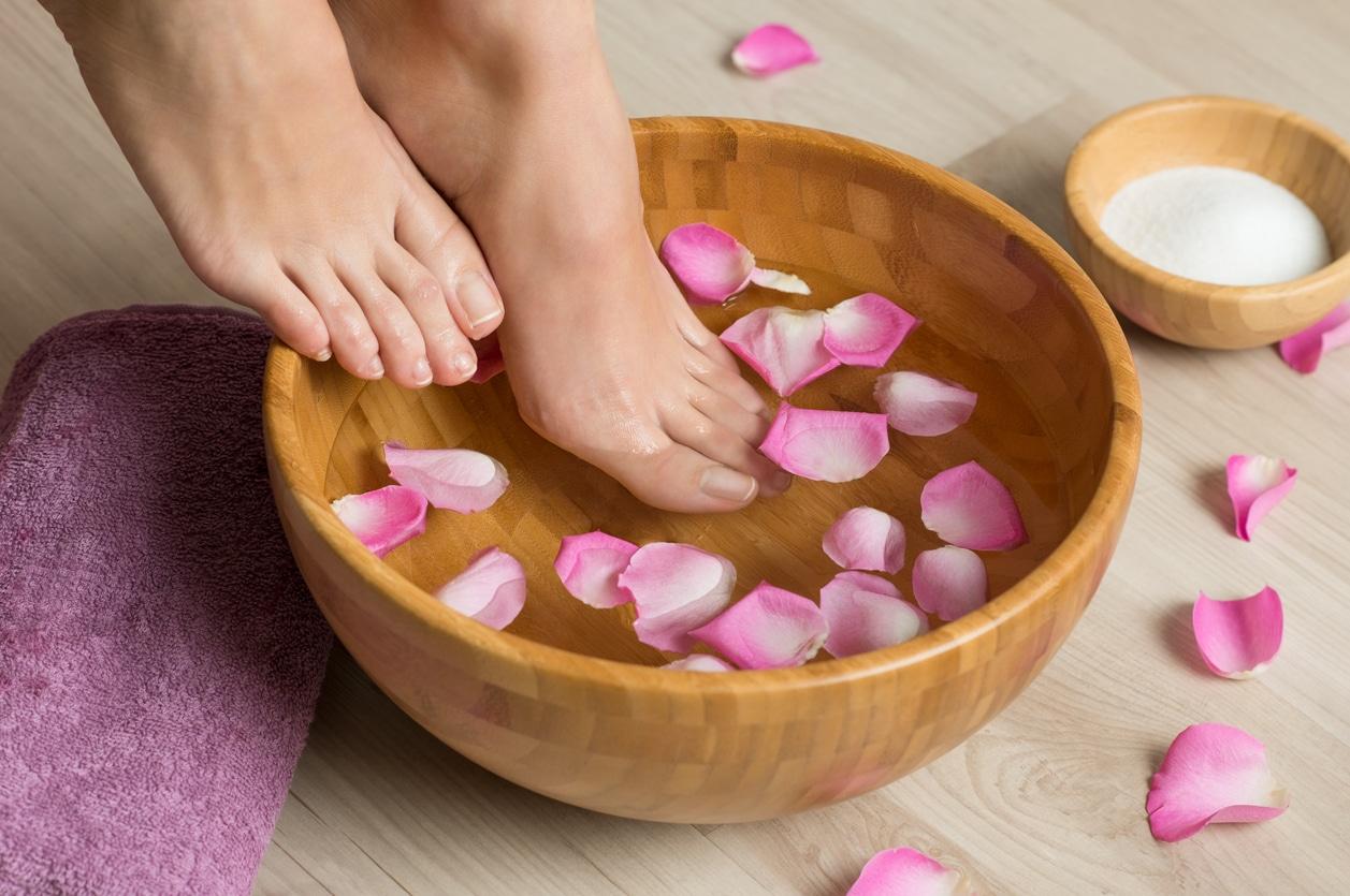 pédicure spa roses pétales