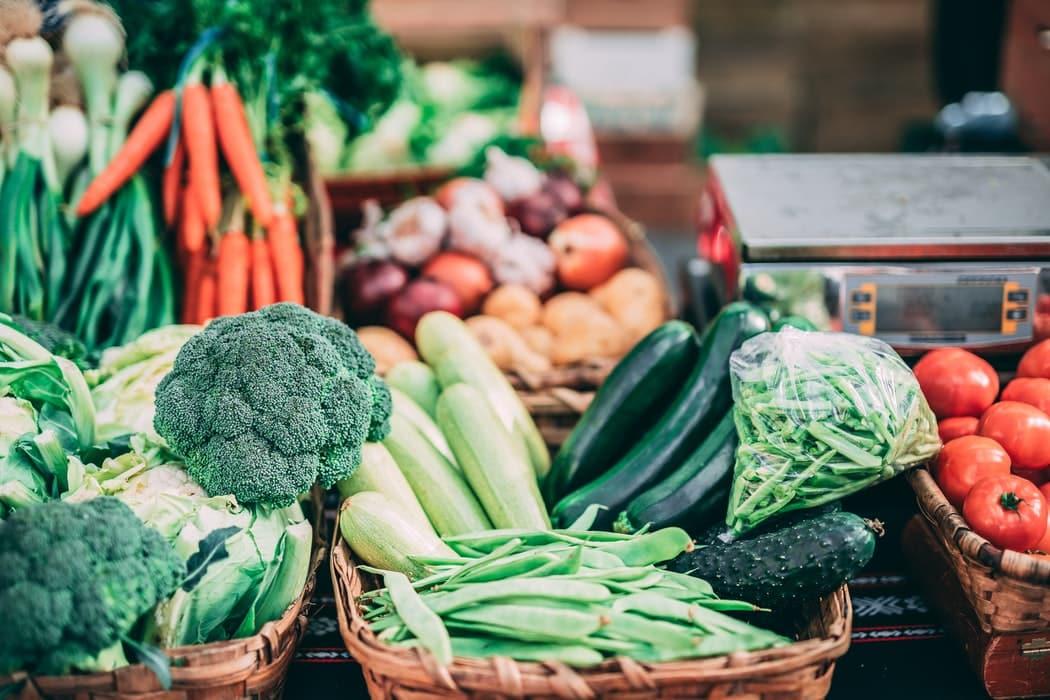 rayons supermarché courses légumes épicerie
