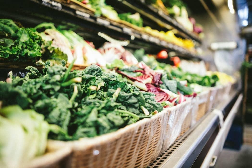 moins gaspiller courses rayons supermarché courses légumes épicerie
