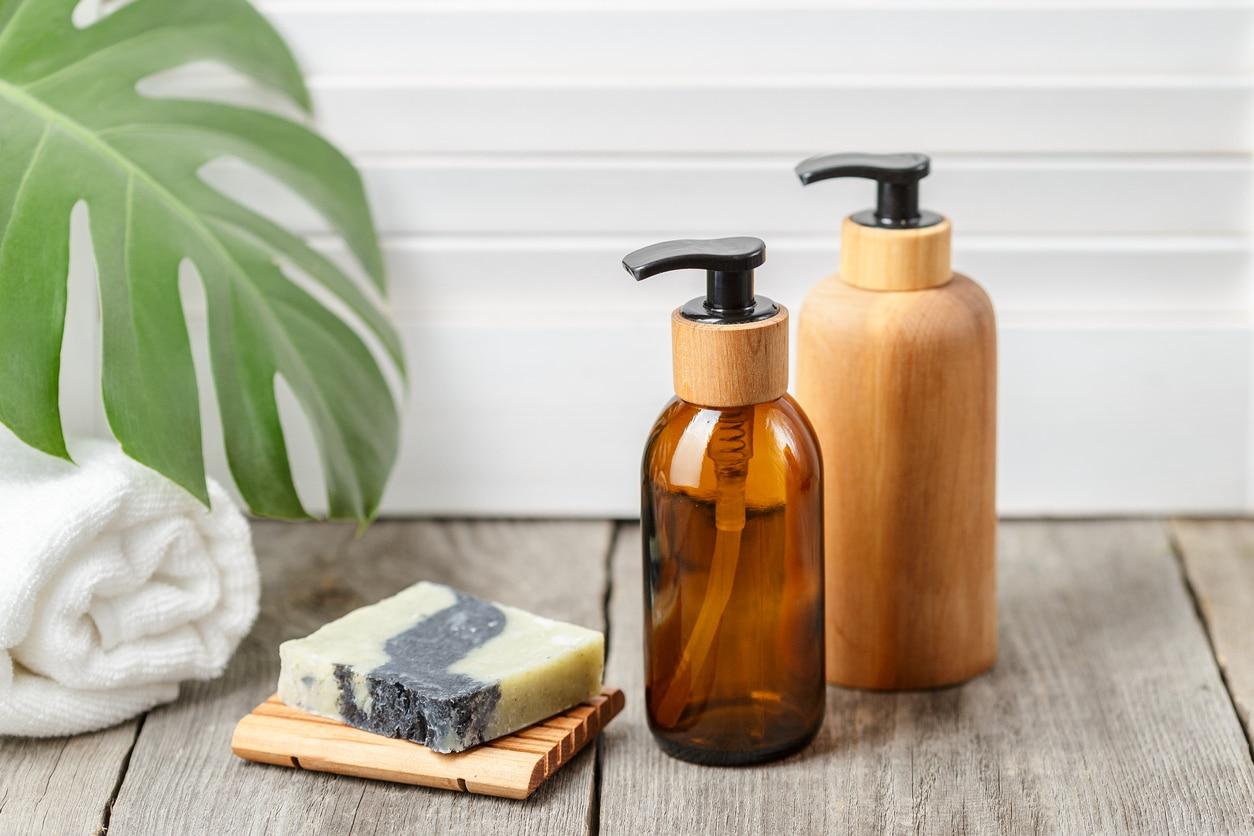 distributeur bois savon shampoing recette maison naturel hydratant