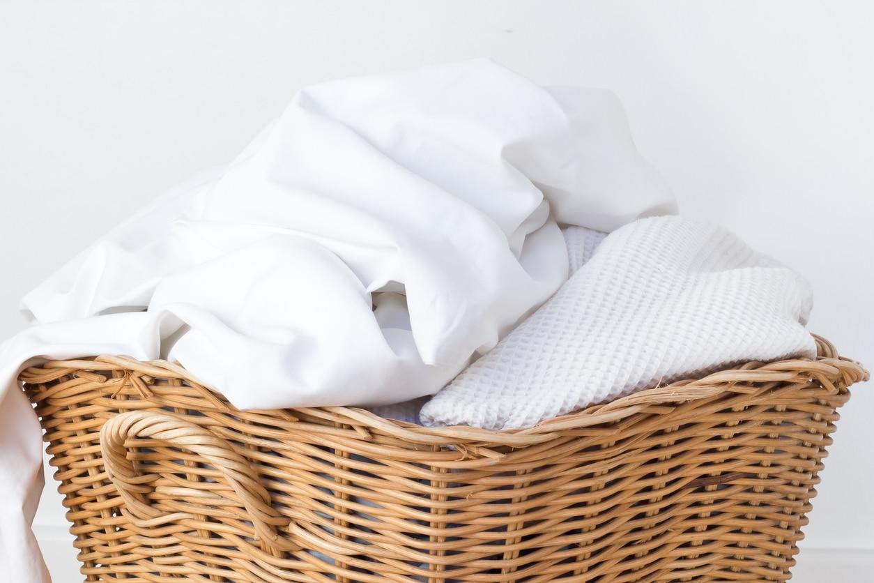 linge serviettes de bain blanchir astuce recette écologique panier
