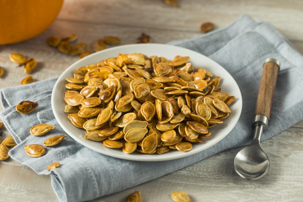 recette apéritif zéro déchet apéro graines de courge grillées assiette