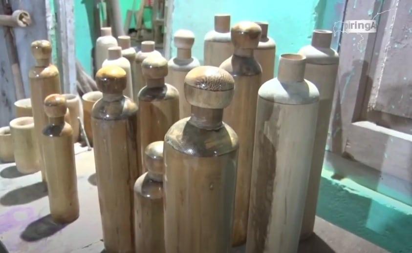 bouteilles eau en bambou Inde plastique