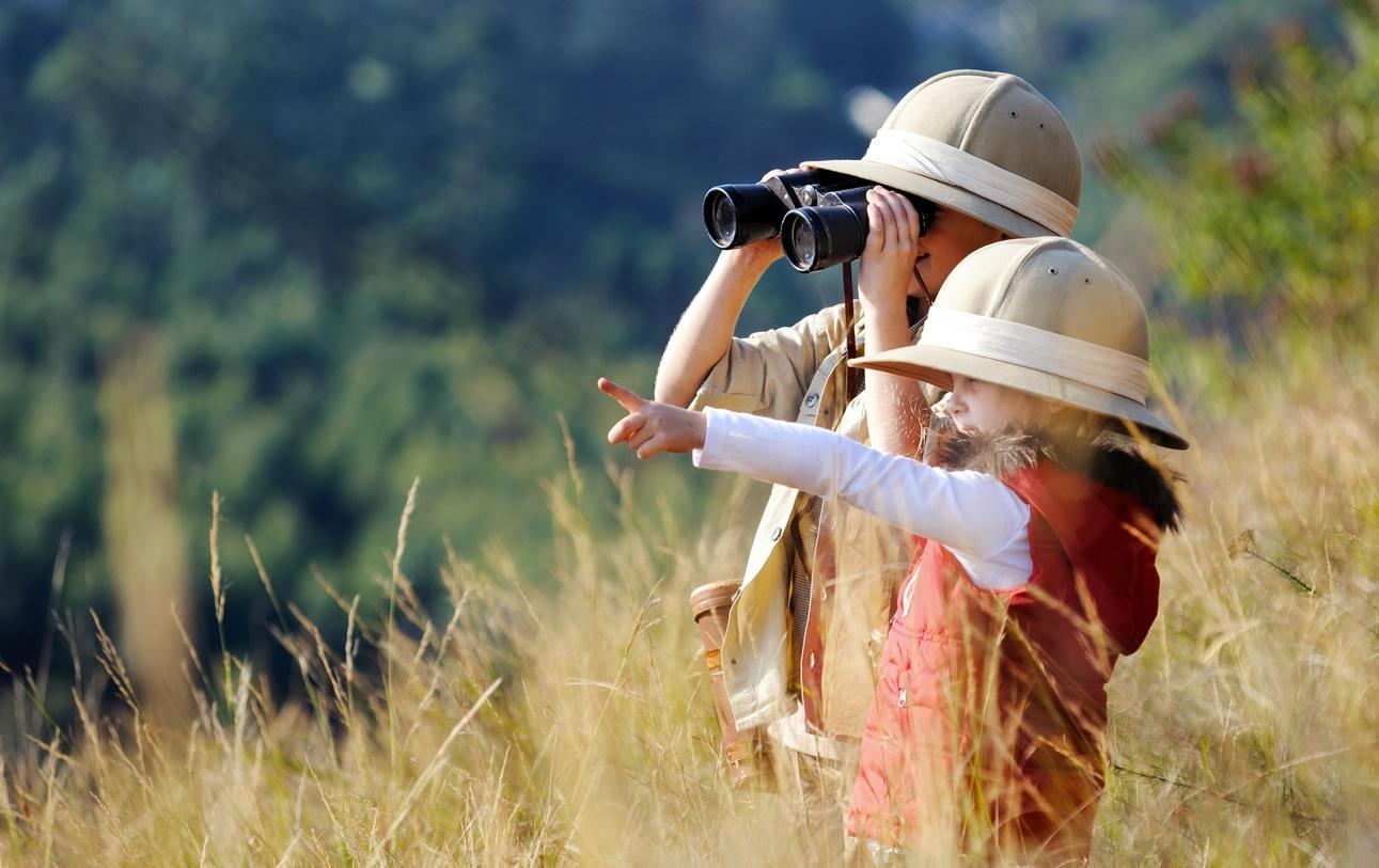 explorer nature enfants voyage ecovolontariat jumelles