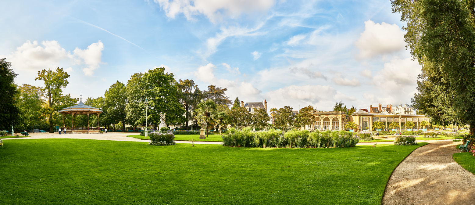 Rennes ville verte parc du Thabor jardin herbe