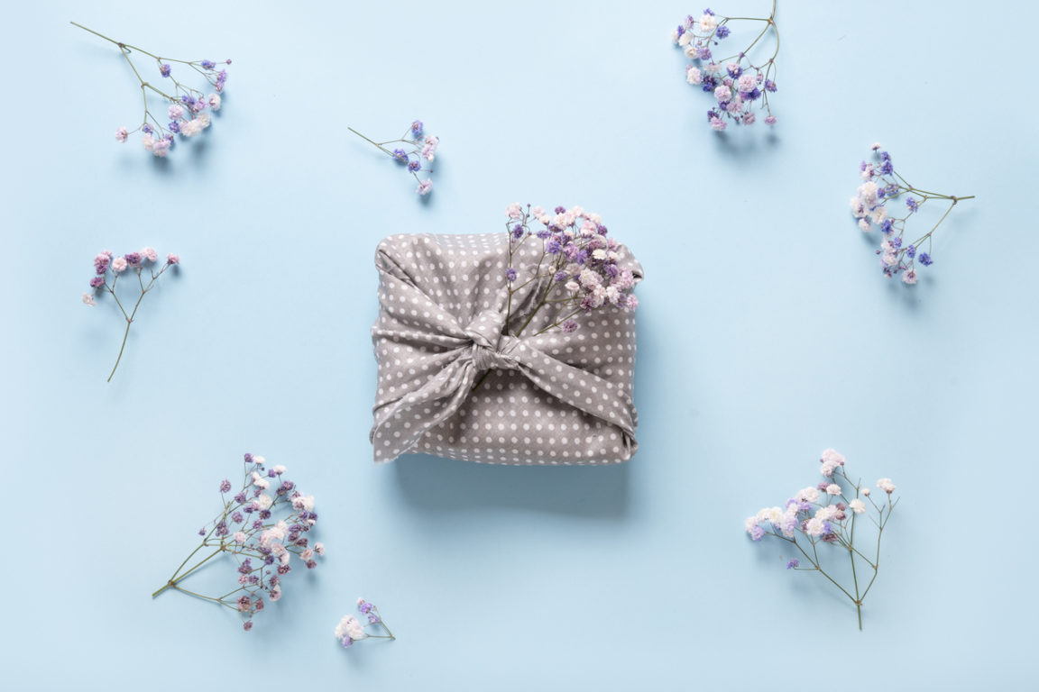 cadeau écologique fleurs fête des mères furoshiki