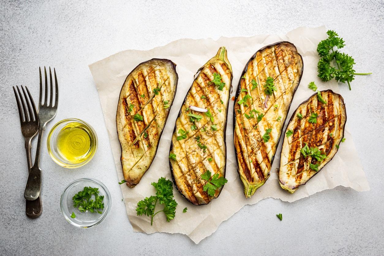 cuisine aubergines grillées plat