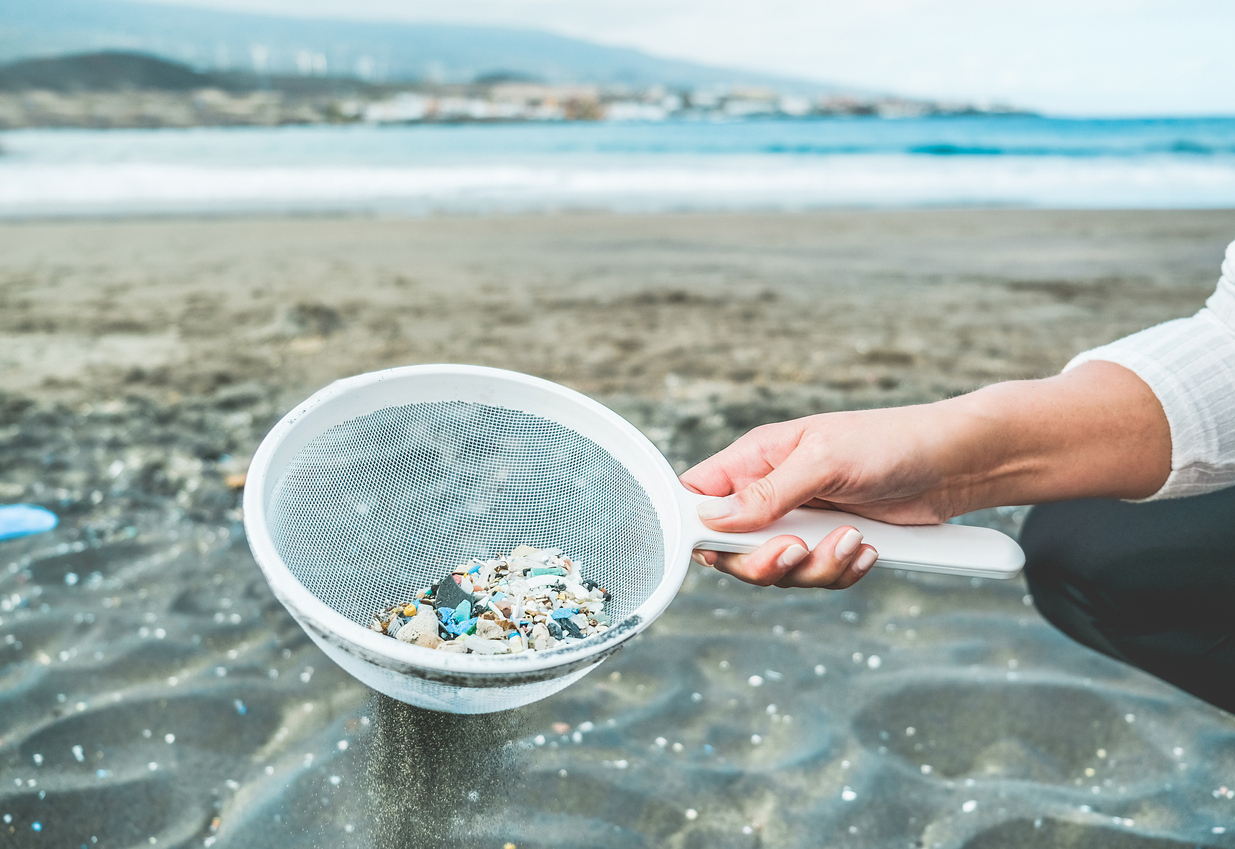 pollution marine plastique déchets plage mer océan