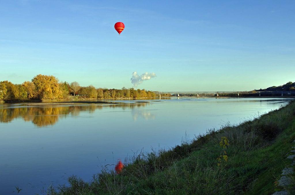 saumur loire paysage naturel lac rivière montgolfière