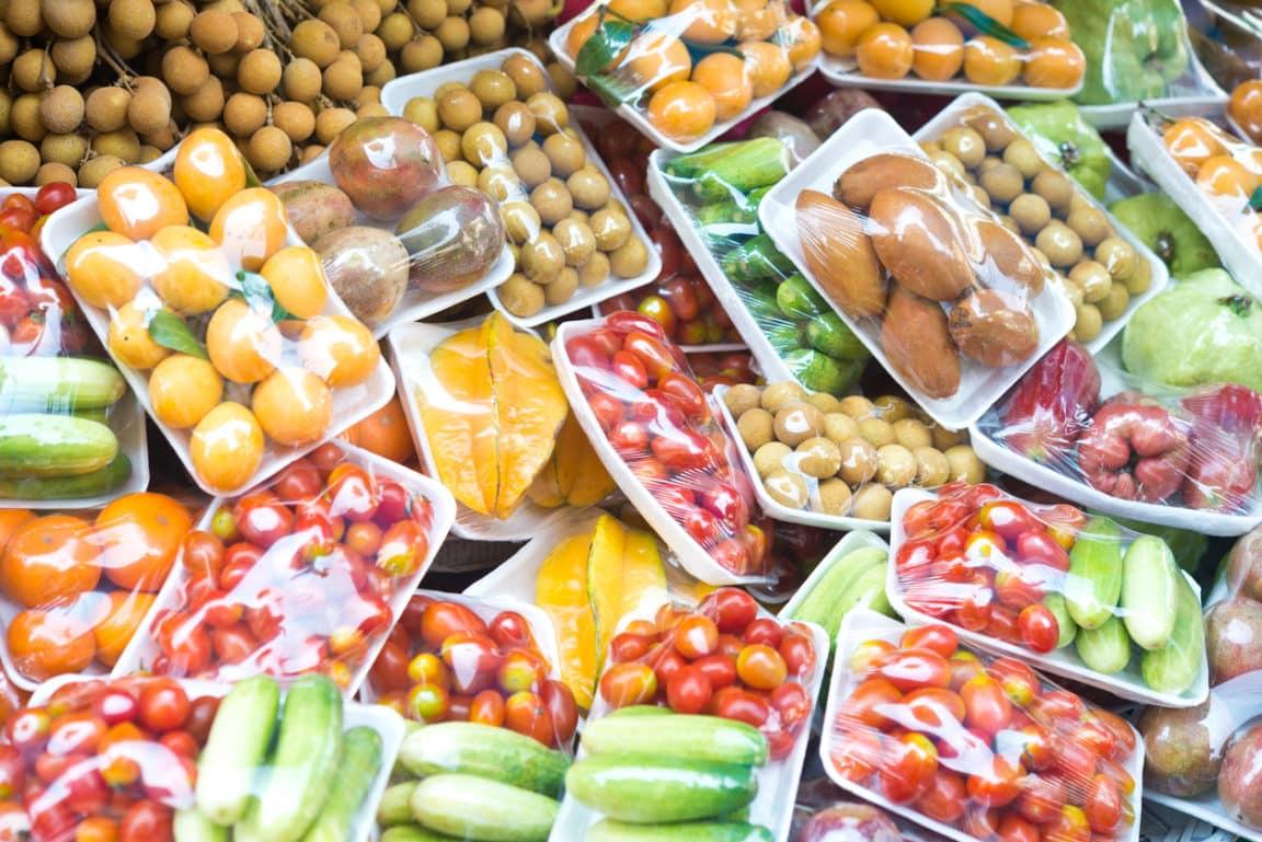 fruits et légumes rayon supermarché emballage plastique interdiction loi Espagne
