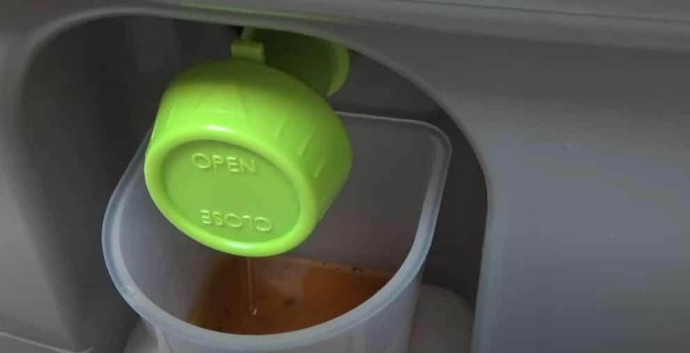robinet poubelle jus thé engrais naturel
