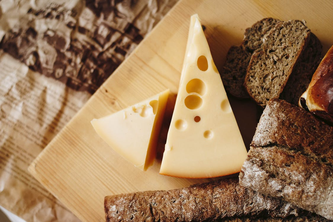 fromage pain emmental gruyère