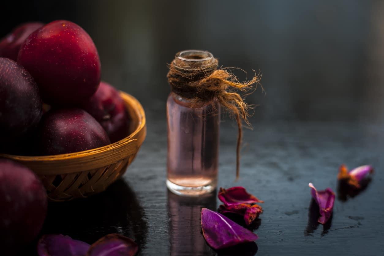huile de prunes fiole flacon cosmétique végétale