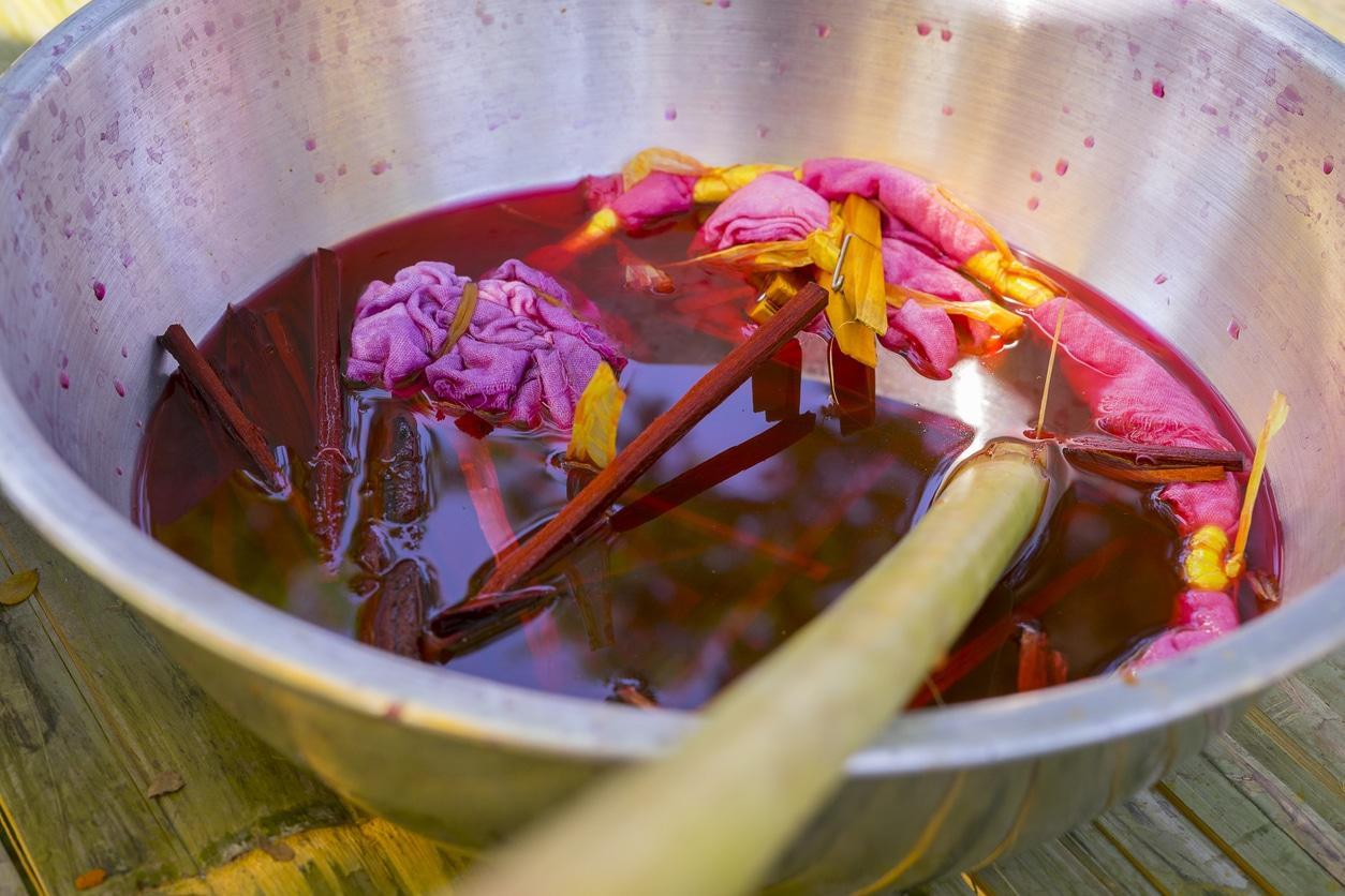teinture rose naturelle végétale recette zéro déchet couleur vêtements textile